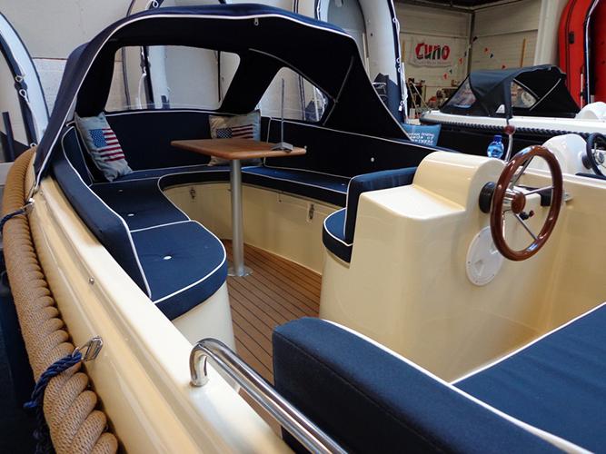 oud huijzer 480 luxury slide4